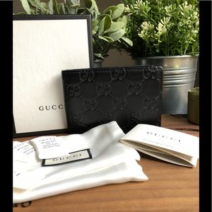 ✳️Authentic✳️ Signature Gucci Wallet
